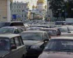 Начальник ГИБДД рассказал москвичам, когда покупать подарки