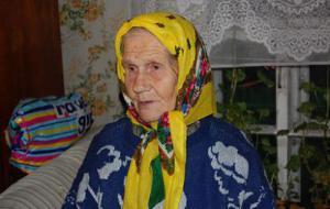 """""""Спасательнице"""" бабе Лене построят новый дом"""