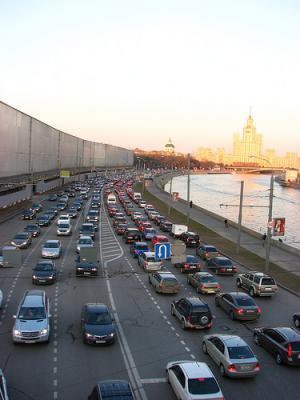 Вождение в мегаполисе: правила и советы